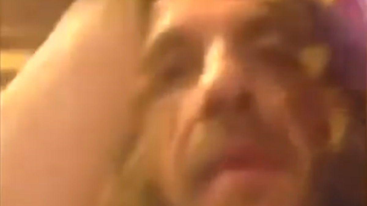 Puyol preživio napad dildoom: Želim te j**ati ovim velikim k***em
