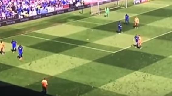 Komedija u Cardiffu: Igrač Readinga izveo nezapamćen aut