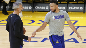 Zvanično: Curry nakon 58 mečeva ponovo na parketu