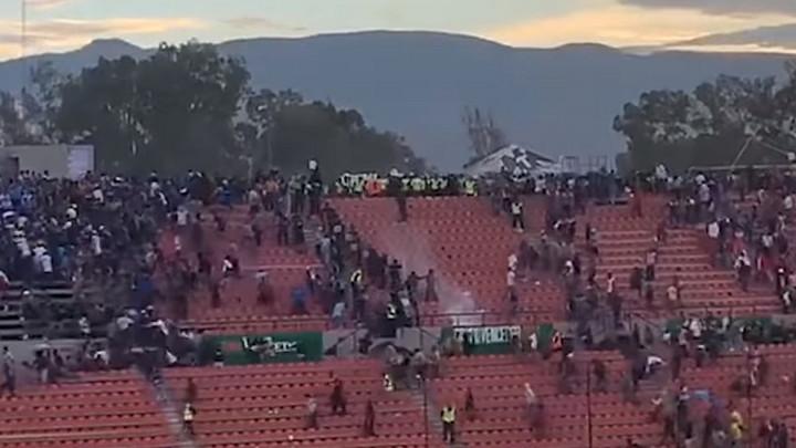 Ružne scene u Meksiku: Opšti haos na tribinama, 40 povrijeđenih, prekinuta utakmica...