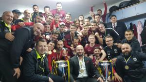 Slavljenički selfie FK Sarajevo iz svlačionice Pecare
