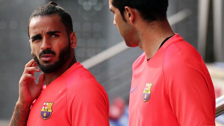 Šok i nevjerica u Barceloni: Stigla ponuda za Douglasa