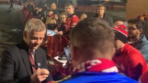 Nevjerovatne scene sa Solskjaerom ispred Old Trafforda