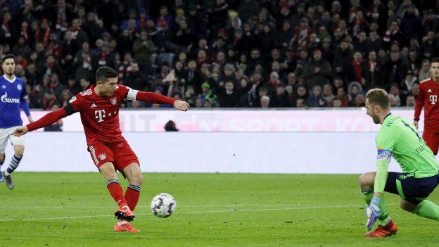 Bayern se vraća u igru za titulu: Schalke opasan, ali nemoćan na Allianz Areni