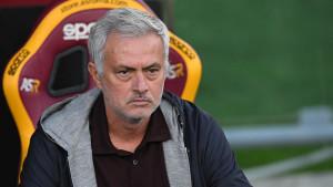 Igrači Rome kažnjeni jer su ga obrukali: Nestvarni Mourinho unaprijed saopštio sastav za naredni meč