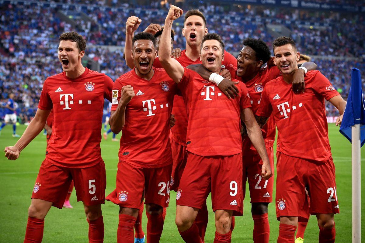 Čudesni Lewandowski hat-trickom donio pobjedu Bayernu protiv Schalkea, drugi gol je prava majstorija