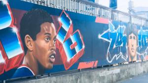Zid legendi: Safet Sušić dobio mural ispred stadiona PSG-a!