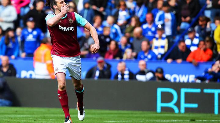 Andy Carroll bez gola u Premier ligi, ali dobija novi ugovor