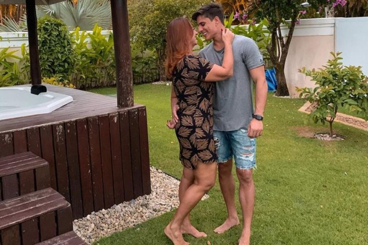 Neymarova mama ponovo u zagrljaju mladog ljubavnika: Prava