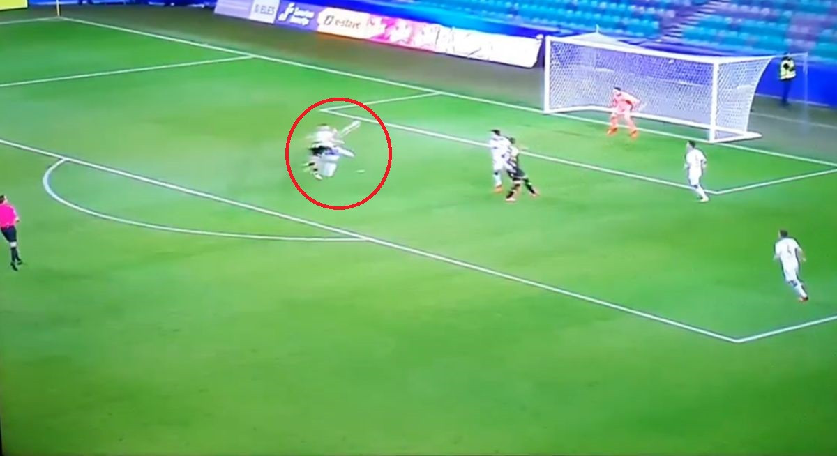 Ziljkić je dobio krila i poletio kroz vazduh: Spektakularan gol reprezentativca BiH u derbiju