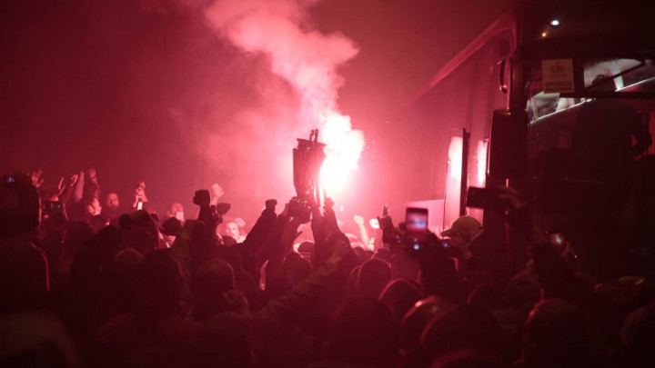 Pogledajte nevjerovatnu atmosferu s Bradine: Pjesma navijača i igrača Sarajeva!