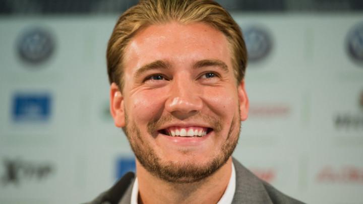 'Show' u najavi: Bendtner najavio da želi postati trener