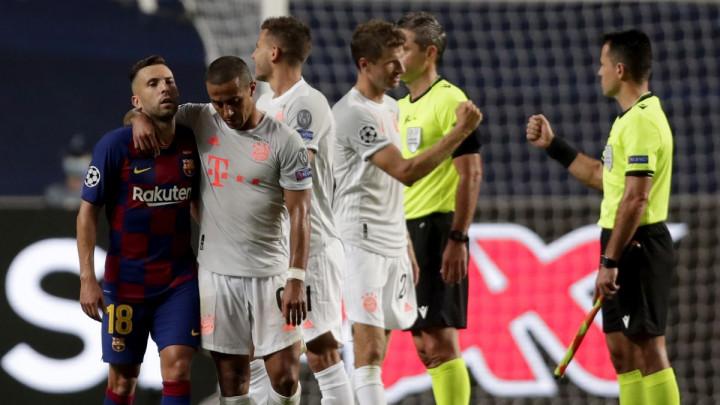 AS je odlučio dodatno poniziti Barcelonu: Devetorici 'nula' za sinoćnju izvedbu