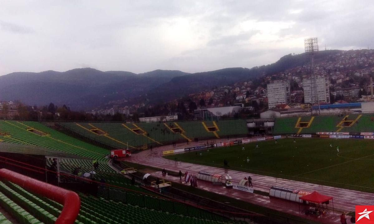 Kiša učinila svoje: Posjeta na Koševu odavno nije bila lošija