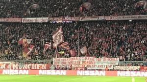 Navijači Bayerna su ponovo prozvali UEFA