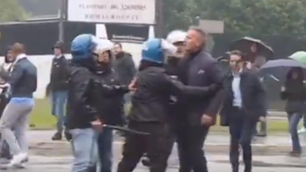 Siniša Mihajlović krenuo na navijača, policajci morali reagovati