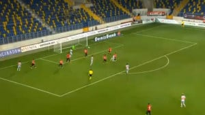 Edin Višća majstorskim golom u 90. minuti donio Basaksehiru prvu pobjedu u sezoni