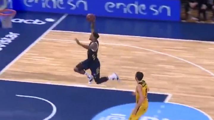 """Košarkaš Reala """"poletio"""" i u stilu Jordana zakucao!"""