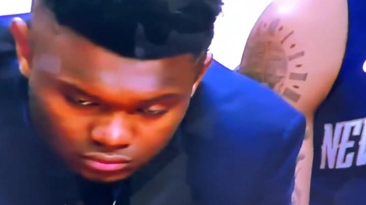 Zion Williamson skoro zaspao na klupi dok čeka debi u NBA ligi