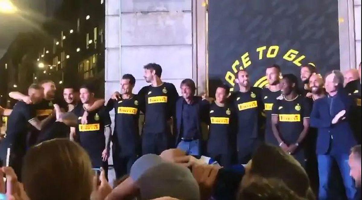 Navijači Intera zapjevali protiv Juventusa: Kako je reagovao Conte?