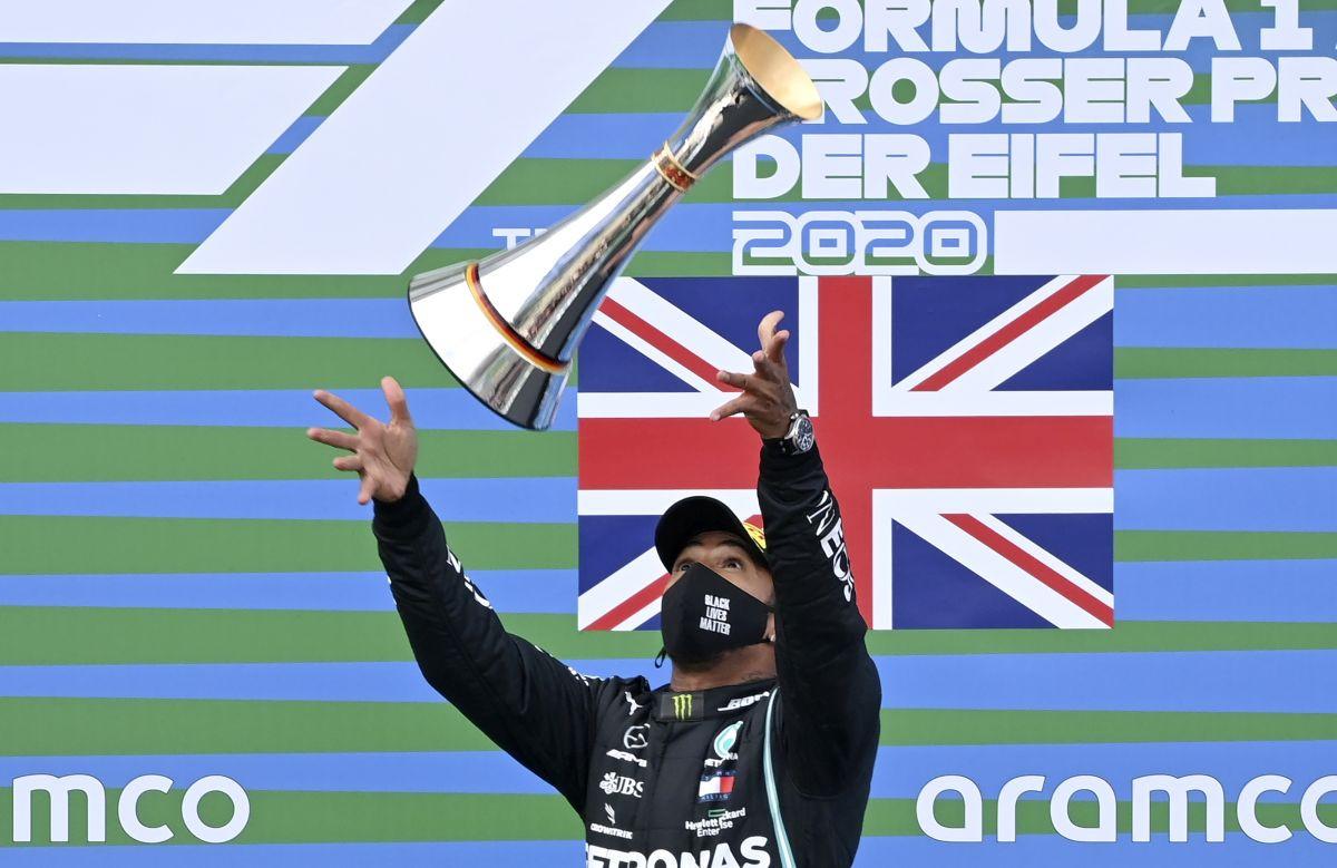 Lewis Hamilton posjeduje dvije kacige kao niko u Formuli 1!