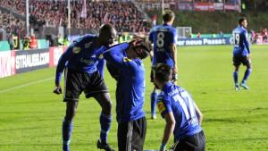 DFB Pokal: Tim iz Regionalne lige napravio senzaciju, dalje prošli Hoffenheim, Schalke...