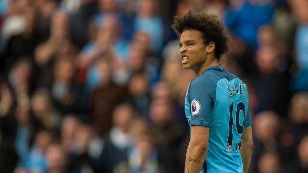 Fudbaler Huddersfielda suspendovan zbog nasrtaja na Sanea