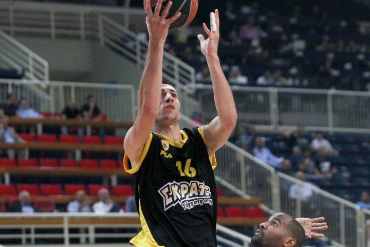 Zdovc nagradio Atića: Bh. košarkaš ostaje u timu