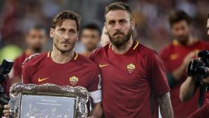 Čekajući avion za Buenos Aires: Totti i De Rossi trenirali zajedno