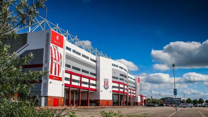 Jeste da je engleska Premier liga, ali u Stokeu je kao na bh. stadionima