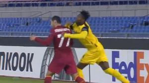 Camara udario Mkhitaryana šakom u prsa, pa se htio obračunati s ostalim igračima Rome