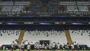 "UEFA ""zaboravila"" tajni dokument na Vodafone Parku: Poznat dobitnik nagrade za igrača sezone?"