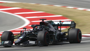 Hamilton ispisao novu historiju, Ferrari se ponovo osramotio