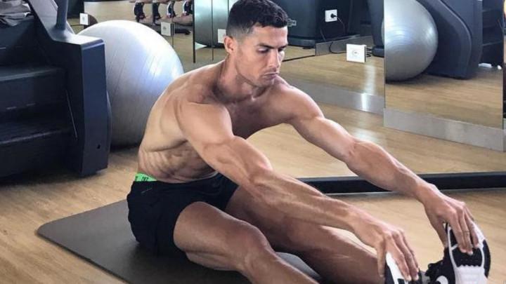 Ko je tu lud? Ronaldove fotografije s odmora govore više od 1000 riječi