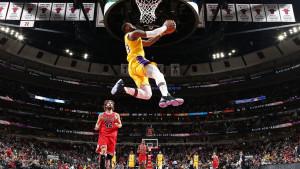 Lakersi na krilima Jamesa konačno stigli do pobjede i prekinuli crni niz