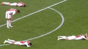 Šok i nevjerica: Igrači Ajaxa su počeli plakati i prije kraja utakmice