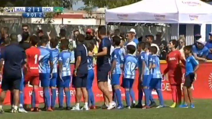 Nesvakidašnja situacija u Španiji: Dječaci prekinuli utakmicu zbog ponašanja svojih roditelja