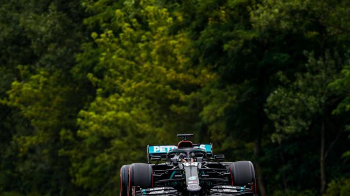 Lewis Hamilton i Mercedes nastavljaju dominaciju