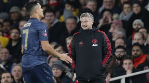 """Mourinho nikada nije stao iza Alexisa kao što je to danas uradio Solskjaer: """"On je kao kečap u boci"""""""