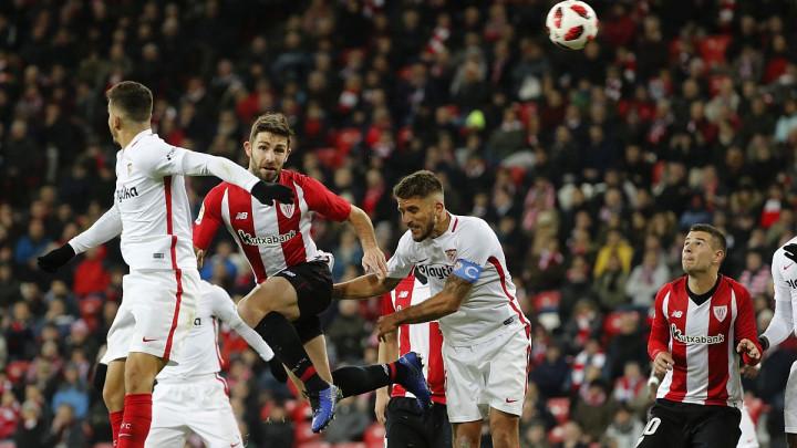 Athletic Bilbao pobijedio Sevillu i udaljio je od borbe za titulu