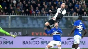 Javio se nogometaš s Kosova i tvrdi da je nadmašio Ronaldov nebeski skok!