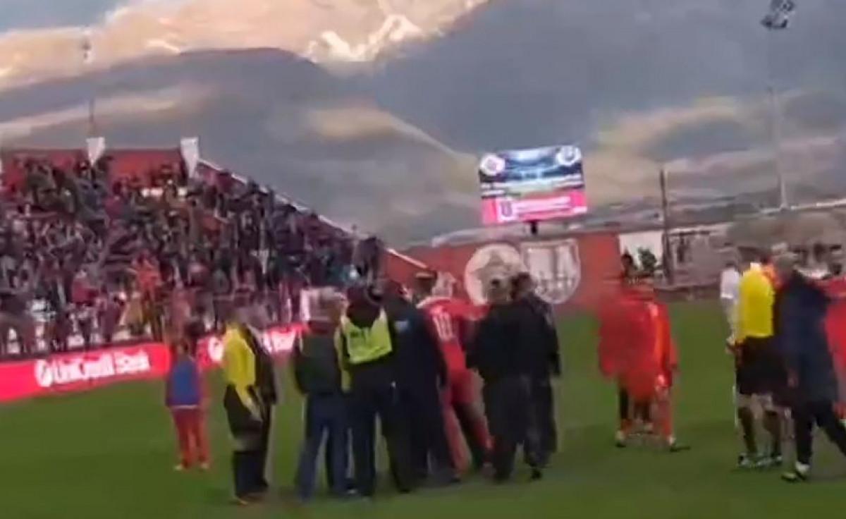 Veliki protesti igrača Veleža nakon utakmice
