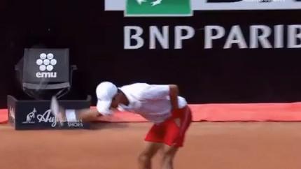 Nešto se čudno dešava sa njim: Novak Đoković je ponovo bio veoma nervozan