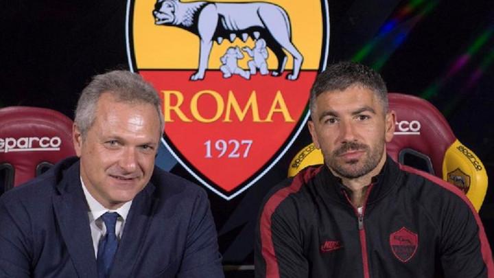 Kolarov produžio vjernost Romi