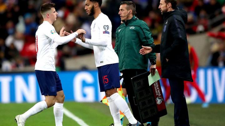 Fenomenalan gest Sterlinga: Engleski navijači zviždali Gomezu, pa zvijezda Cityja pokazala veličinu