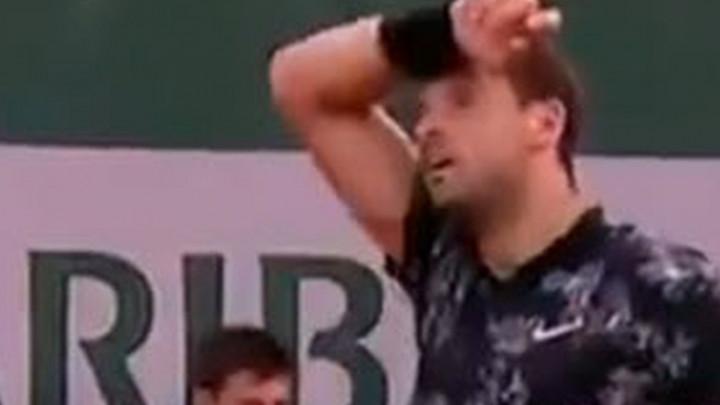 """Dimitrov poludio kada mu je neko s tribina dobacio """"Baby Federer"""""""