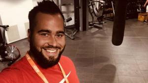 Pezer prvi na mitingu u Švedskoj