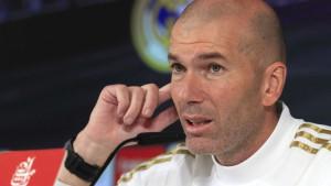 """Zidane """"ogrebao"""" skupocjenog Audija"""